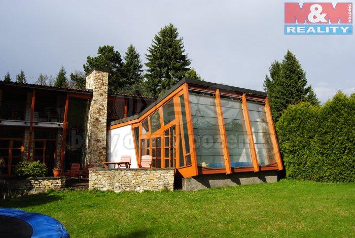 Prodej, rodinný dům 9+2, 563 m2, Kamenice