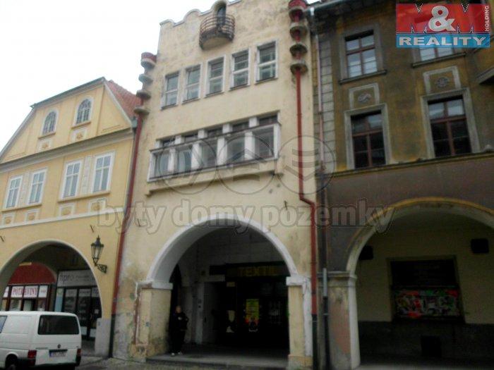 Prodej, nájemní dům, OV, 310 m2, Žatec, nám. Svobody
