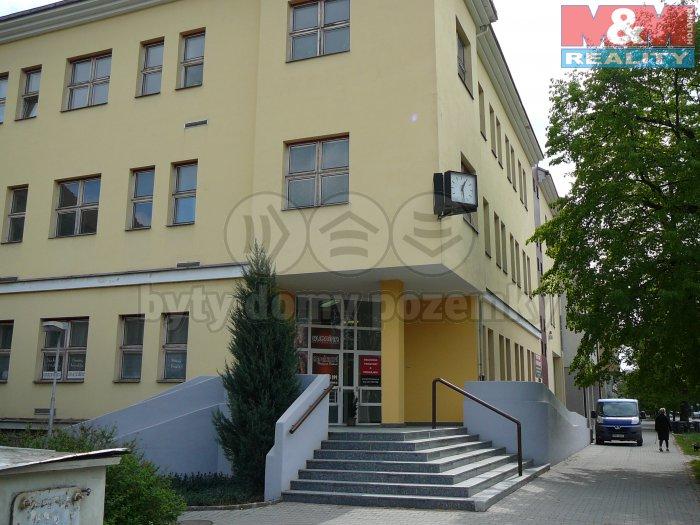 Pronájem, kancelář 20m2 - 94 m2 ,Rokycany