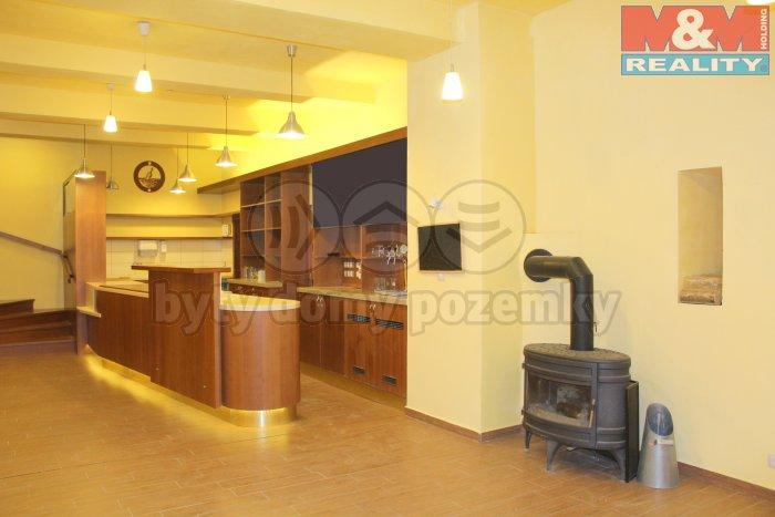 Prodej, obchodní prostory, 107 m2, Praha 4 - Michle