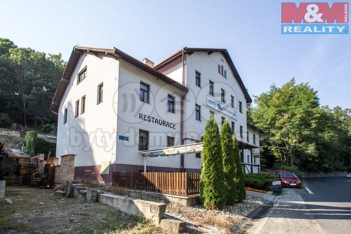 Prodej, hotel, 1244 m2, Peruc