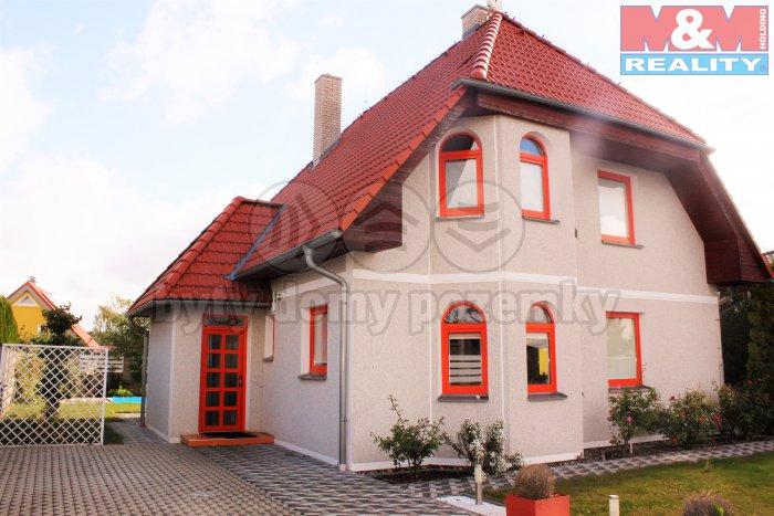 Prodej, rodinný dům 5+1, 713 m2, Klíčany