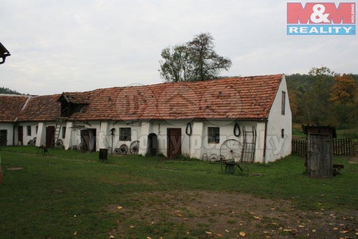 Pronájem, louky, sad, rybník, 22 498 m2, Praha - Suchdol