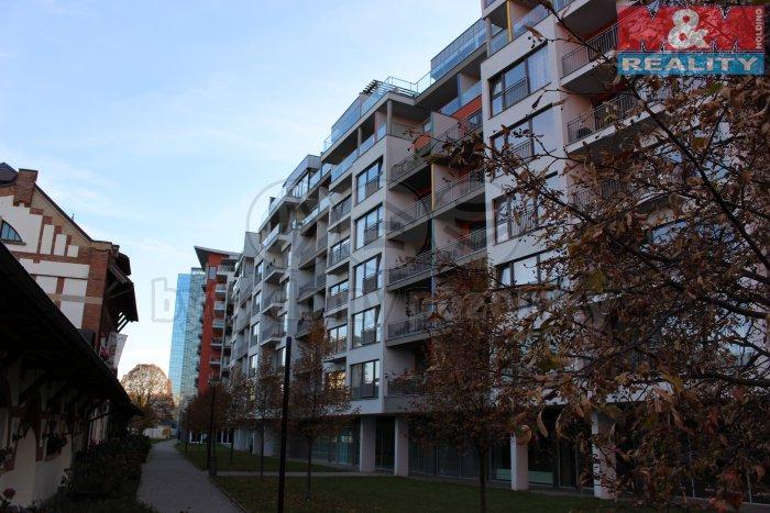 Prodej, byt 1+kk, 43 m2, Praha 7, Jankovcova, garážové stání
