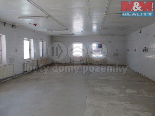 Pronájem, komerční prostory, 630 m2, Holešov