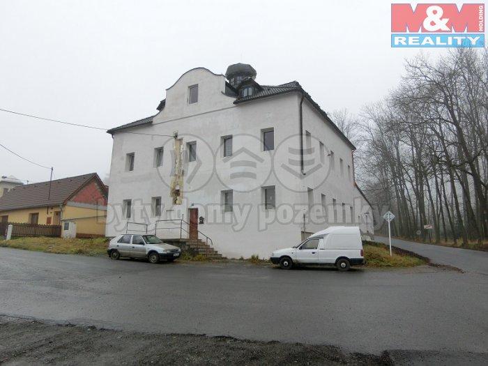 Prodej, bytový dům, 950 m2, Rohozná