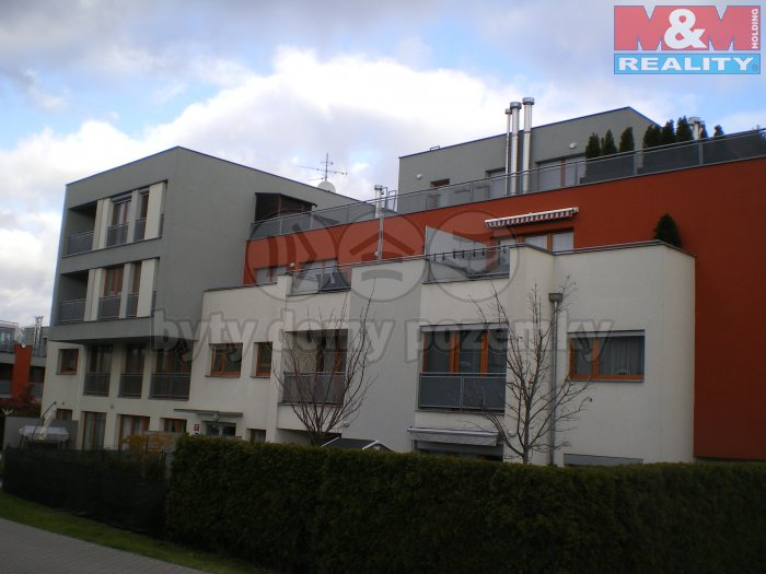 Prodej, byt 1+kk, 44 m2, Praha 10 - Pitkovice