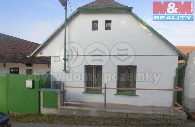Pronájem, rodinný dům 3+1, 367 m2, Louňovice pod Blaníkem