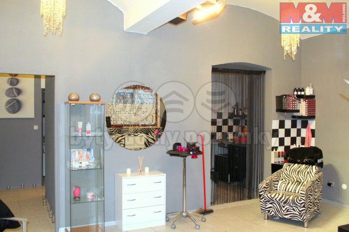 Pronájem, kosmetické a kadeřnické studio, 45 m2, Praha 3