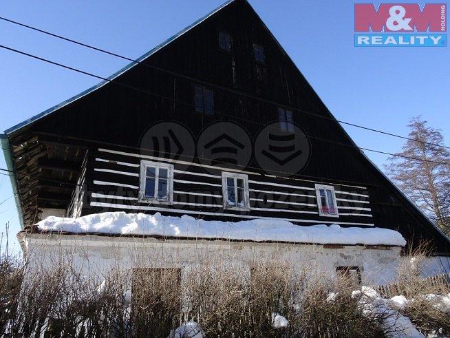 Prodej, rodinný dům 6+1, 1025 m2, Levínské Petrovice