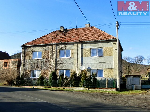 Prodej, rodinný dům 6+2, 2025 m2, Blov