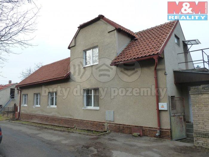 Prodej, rodinný dům 5+1, 1927 m2, Podlešín