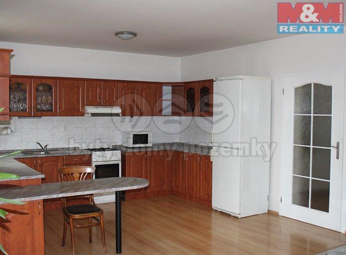 Prodej, rodinný dům 5+1, 470 m2 , Říčany
