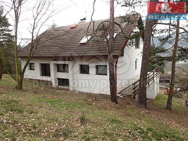 Prodej, rodinný dům 6+2, 1132 m2, Davle