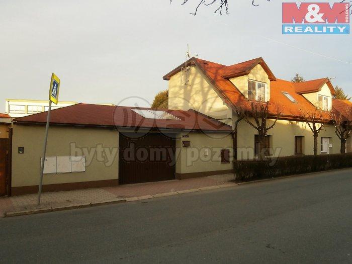 Prodej, rodinný dům 7+2, 500 m2, Zeleneč