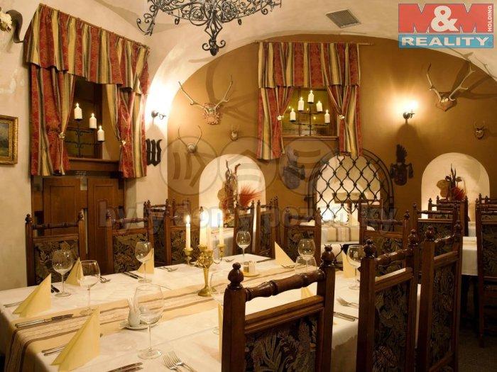Pronájem, restaurace, 372 m2, Praha 1 - Hradčanské nám.