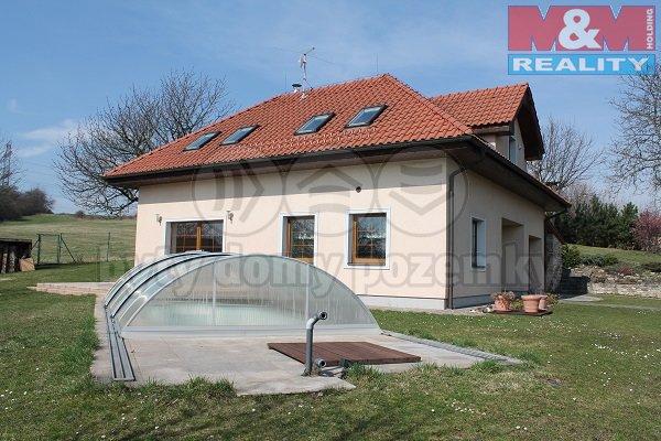 Prodej, rodinný dům 5+1, 1329 m2, Mořinka, okr. Beroun