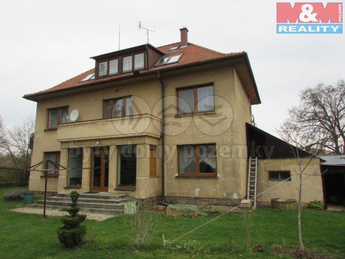 Prodej, rodinný dům 10+2, 300 m2, Petrovice