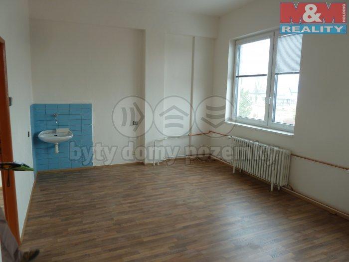 Pronájem, kancelář, 28 m2, Slezská Ostrava, ul. Čs. armády
