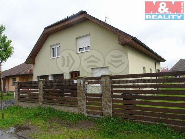 Pronájem, rodinný dům 7+1, 280 m2, Předboj