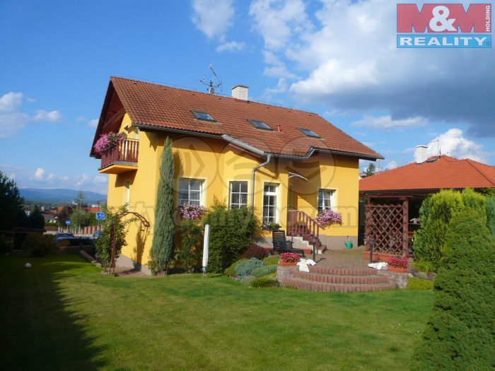 Prodej, rodinný dům 5+1, 1195 m2, Karlovy Vary - Doubí