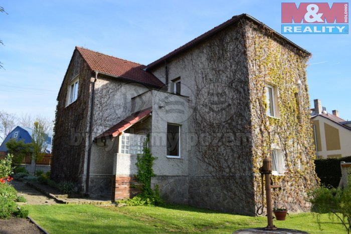 Prodej, rodinný dům 6+2, 357 m2, zahrada 733 m2, Říčany