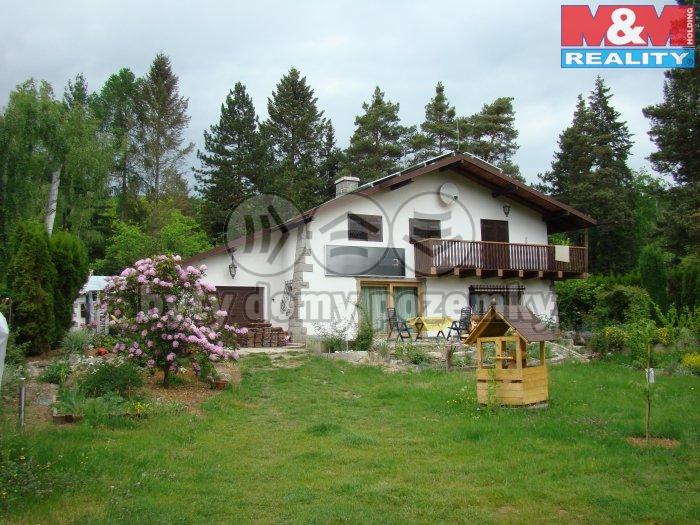 Pronájem, rodinný dům 4+1, 1523 m2, Petrov - Chlomek