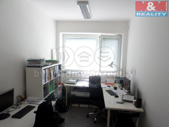 Pronájem, kancelář 13m2, Ostrava - Kunčice, ul. Lešetínská