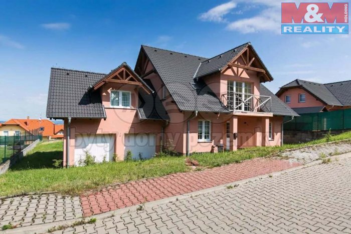 Prodej, rodinný dům, 6+1, 1050 m2, Postřižín