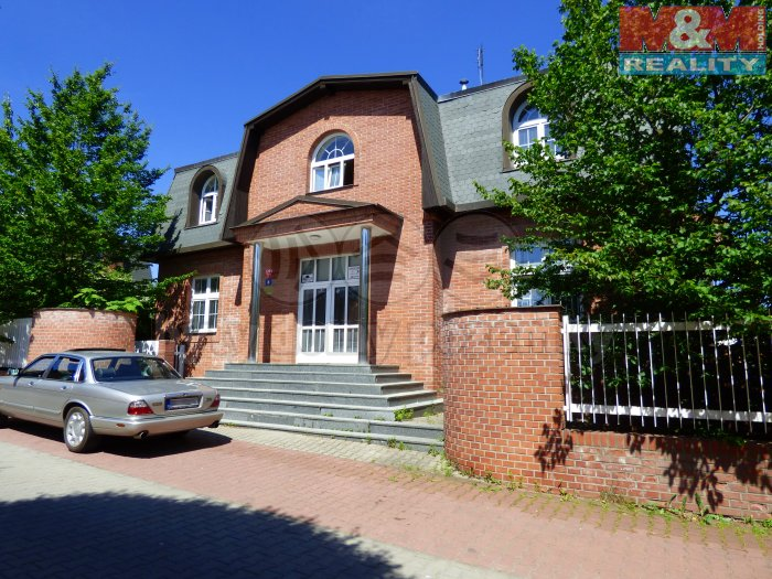 Pronájem, rodinný dům, 660 m2, Praha 10 - Hostivař