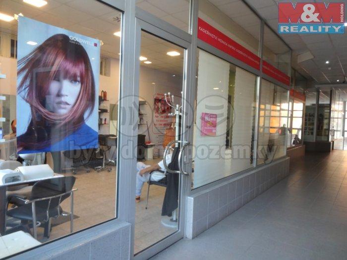 Prodej, obchodní prostory, 192 m2, Praha 8