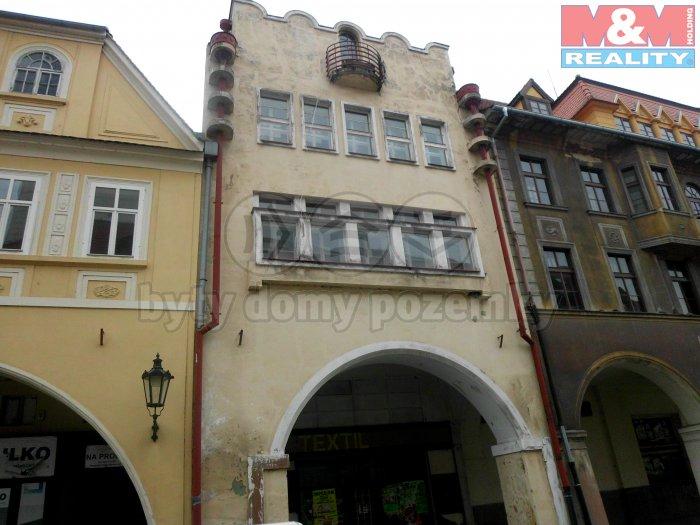 Prodej, nájemní dům, 310 m2, OV , Žatec, nám. Svobody