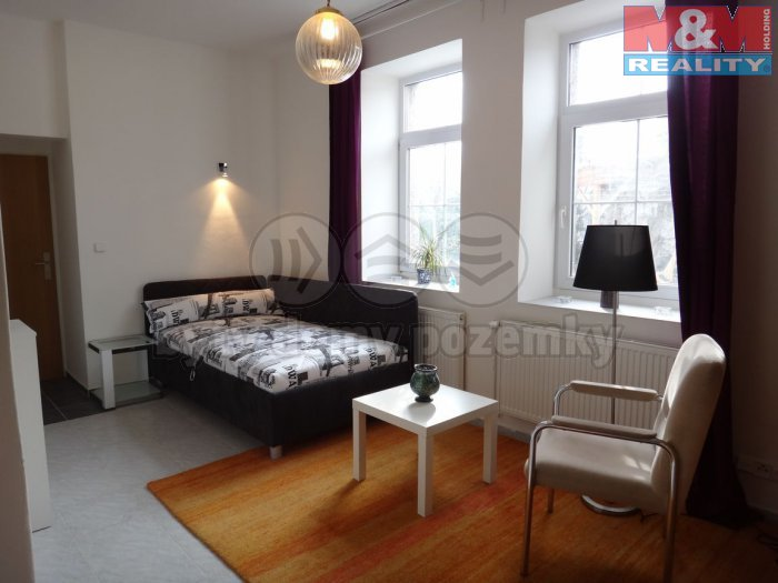Pronájem, byt 1+kk, 27 m2, Kladno, ul. Štítného