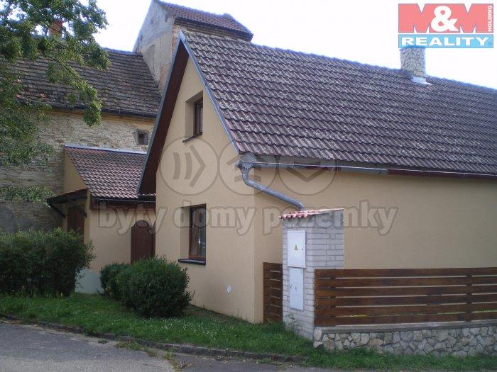 Prodej, rodinnný dům 3+1, 256 m2, Černěves