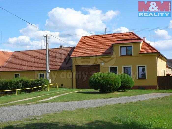 Prodej, rodinný dům, 4251 m2, Břežany