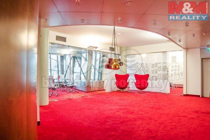 Pronájem, kancelářské prostory 50,3m2, Praha - Tančící dům