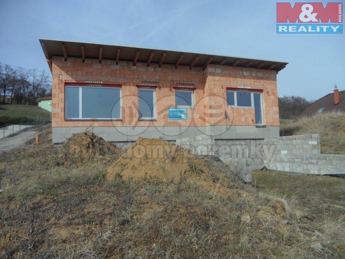 Prodej, rodinný dům, 5+kk,1226 m2, Pustiměř