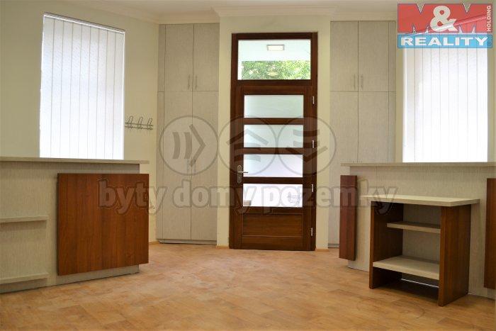 Prodej, obchodní prostor, 51 m2, Karlovy Vary