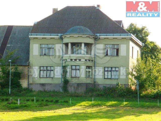 Prodej, rodinný dům 7+1, Dobrnice
