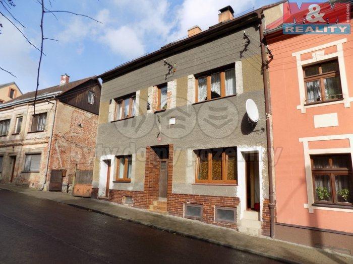 Pronájem, byt 1+kk, 25 m2, Perštejn, ul. Hlavní