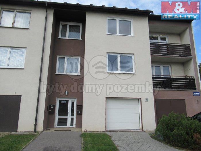 Prodej, byt 3+1/L, Kladno - centrum, ul. Jiřího Voskovce