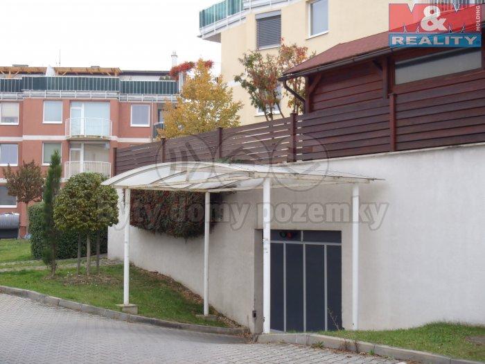 Prodej, garážové stání, 14,8 m2, Praha 4 - Újezd