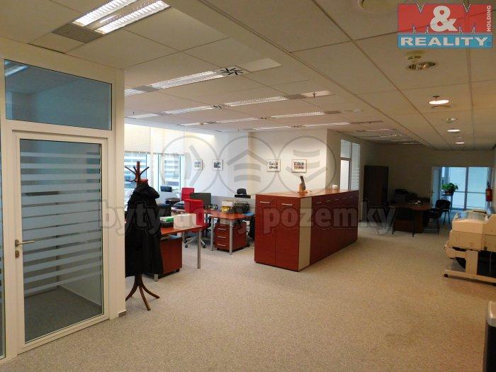 Pronájem, kancelář, 282 m2, Praha 4 - Nusle, ul. Hvězdova