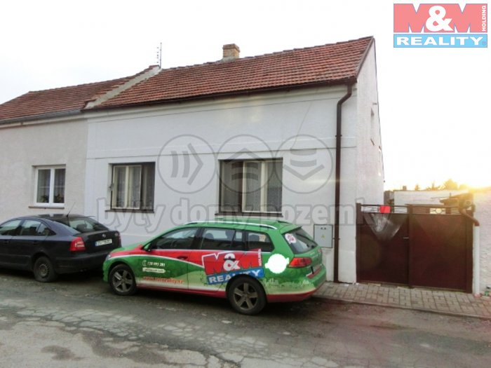 Prodej, Rodinný dům 2+1, 80m2, Dobřichov