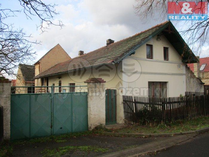 Prodej, rodinný dům, 678 m2, Chodouny