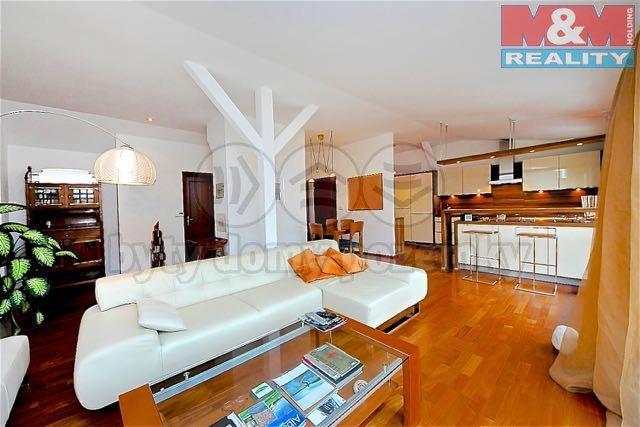 Prodej, byt 4+kk, 157 m2, Praha 1, atelier, garáž, terasa