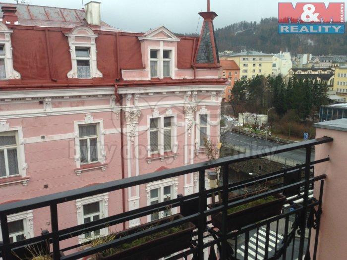 Pronájem, byt 1+1, 50 m2, Karlovy Vary, ul. nábř. J.Palacha
