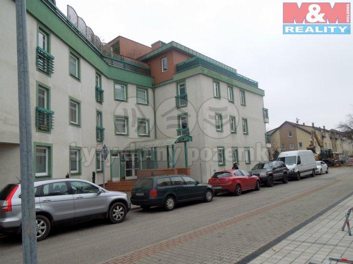 Pronájem, byt 1+kk, 42 m2, Praha 4, ul. Nad Ryšánkou