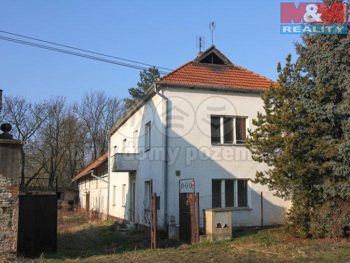 Prodej, rodinný dům 4+2, 2198 m2, Koštice