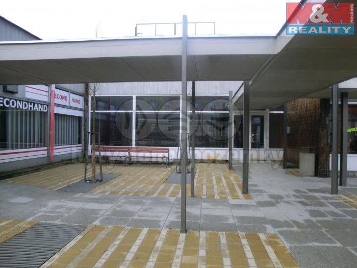 Pronájem, obchodní prostor, 400 m2, Kladno